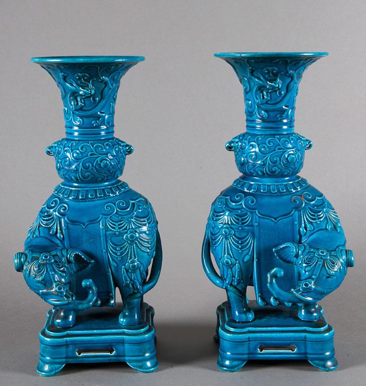 Sublime paire de vases en faïence par Théodore DECK