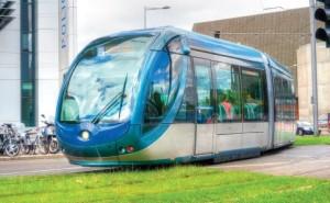 Le tram B file jusqu'à son nouveau terminus, France- Alouette.