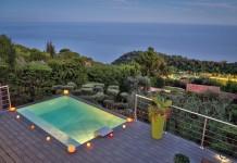 Les fabricants développent des gammes de piscines hors-sol qui se fondent avec les terrasses. La détente et l'esthétique sont au rendez-vous